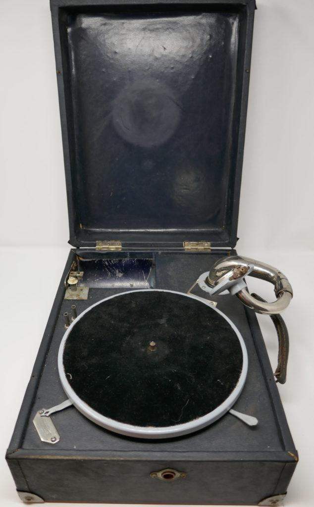 Gramophone (phono-valise)